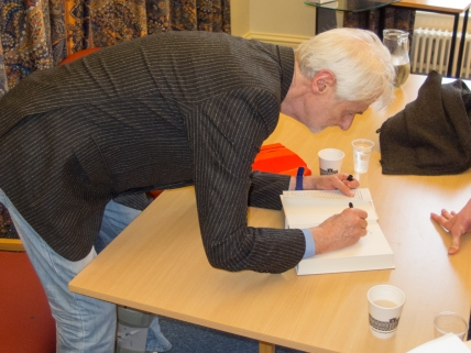 Professor Padraig O'MALLEY signing book, The Two-State Delusion: Israel and Palestine, Queen's University Belfast, Northern Ireland. @ISCTSJ @MoakleyChairUMB